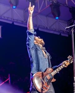 Lenny Kravitz Pointing