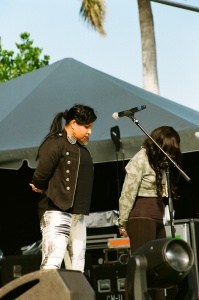 Damian Marley's backup singers Roslyn Williams and Nikki Burt