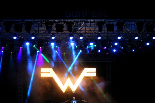 Weezer Logo & Drummer